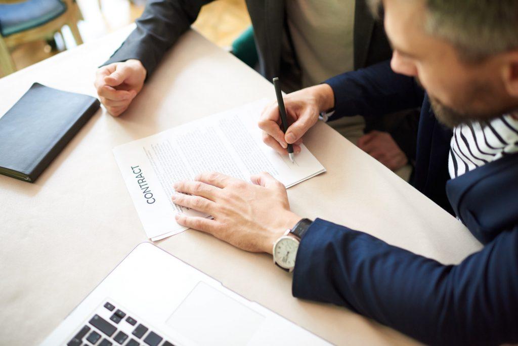 Signature contrat de prêt personnel